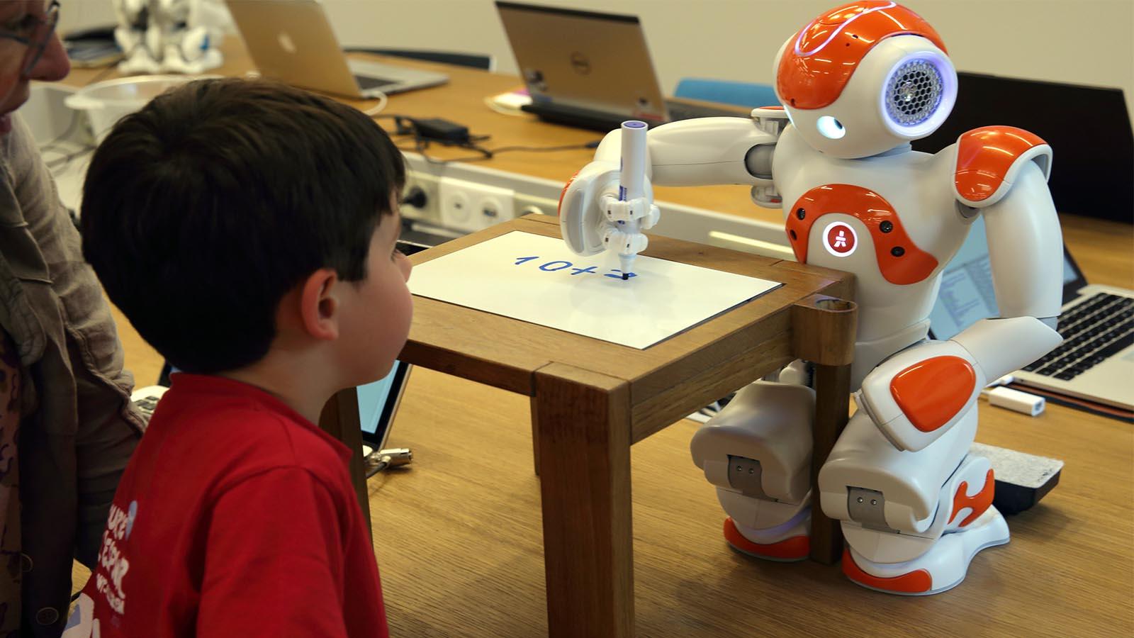 هوش مصنوعی رباتیک بازاریابی