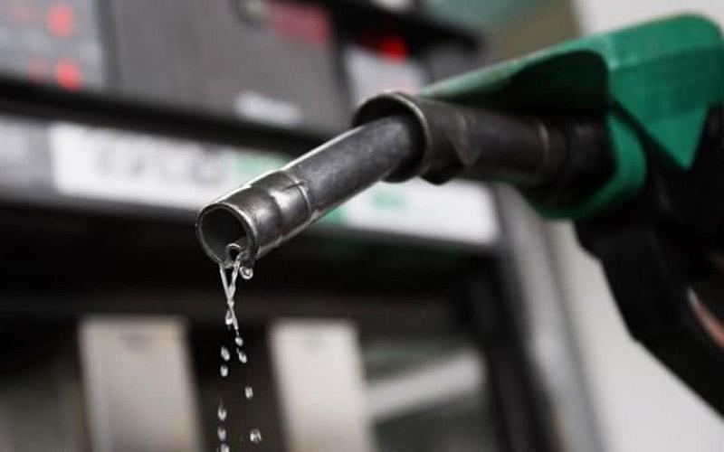 یک میلیون و ۸۰۰ هزار لیتر بنزین بهصورت سیار توزیع شده است
