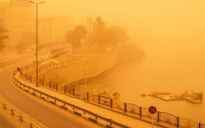 مناطق ساحلی خوزستان در هالهای از خاک فرو رفت