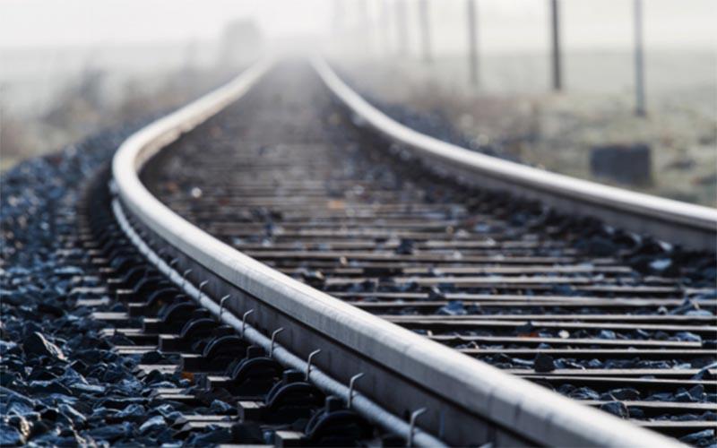 شبکه ریلی در بخش بار و مسافر کارایی لازم را ندارد