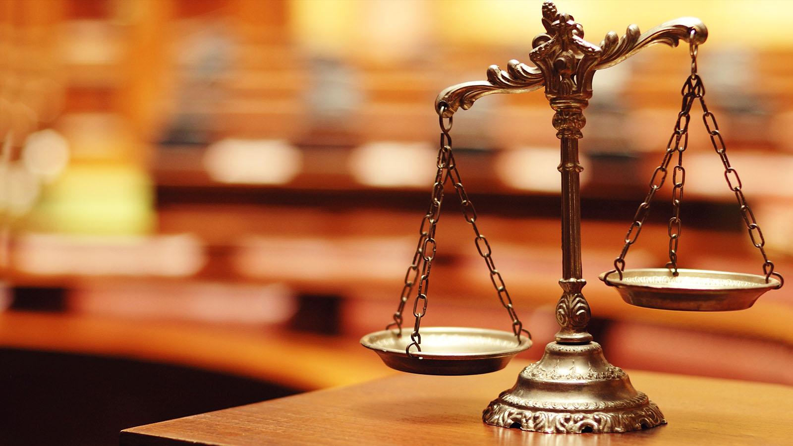 فساد اداری سیستم قضایی عدالت
