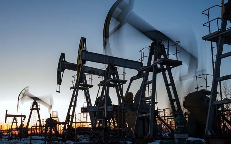 با بروز نشانههایی از کاهش بیشتر تولید روسیه، قیمت نفت بالا رفت