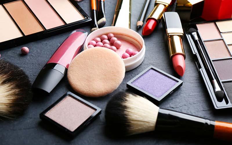 درخواست مجدد عرضه محصولات آرایشی، همانند دارو