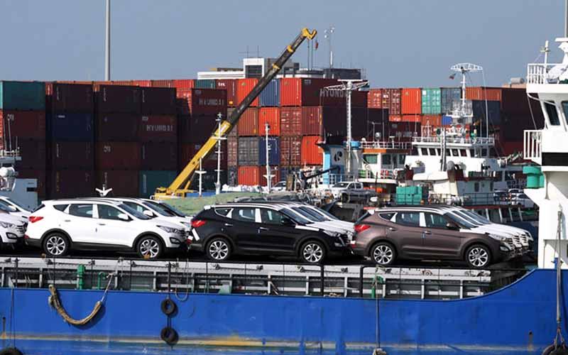 عقبنشینی ۵ ماهه در ترخیص خودروهای وارداتی در گمرک مانده
