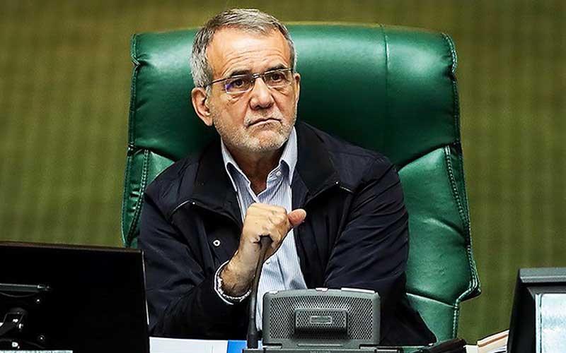 ساختار فروش نفت ایران باید تغییر کند