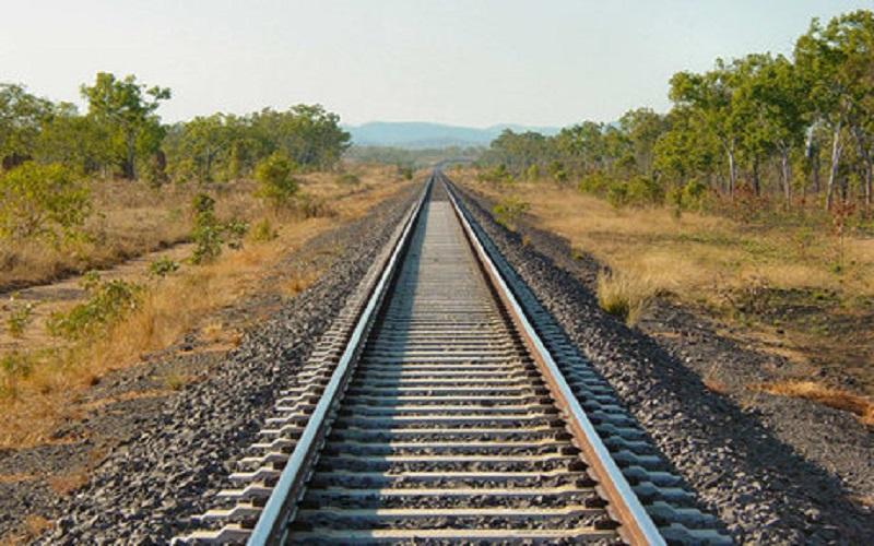 ریلگذاری ۱۰۰ کیلومتر از راهآهن چابهار- زاهدان تا پایان سال