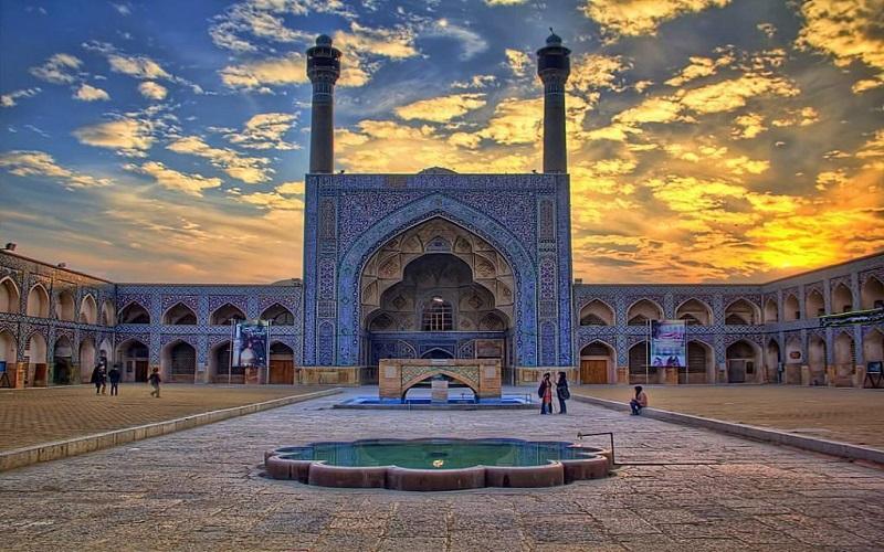 یونسکو تحرکات پیرامون مسجد جامع اصفهان را دنبال میکند