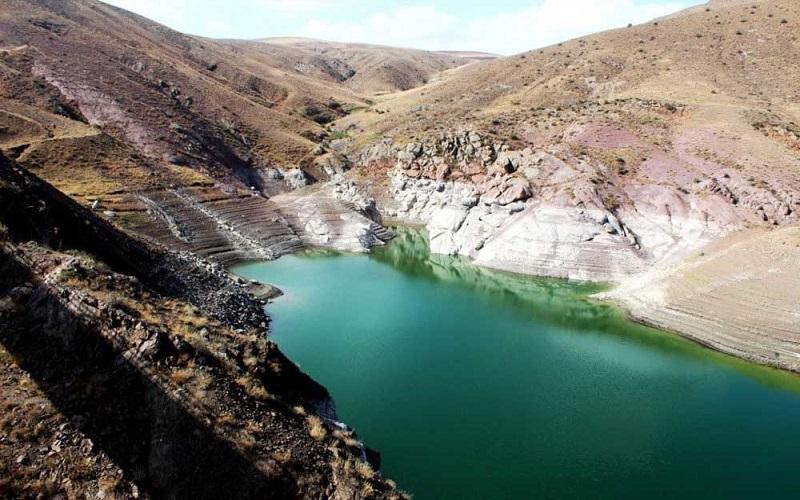 ذخیره آب سد ستارخان اهر در حد بحرانی است
