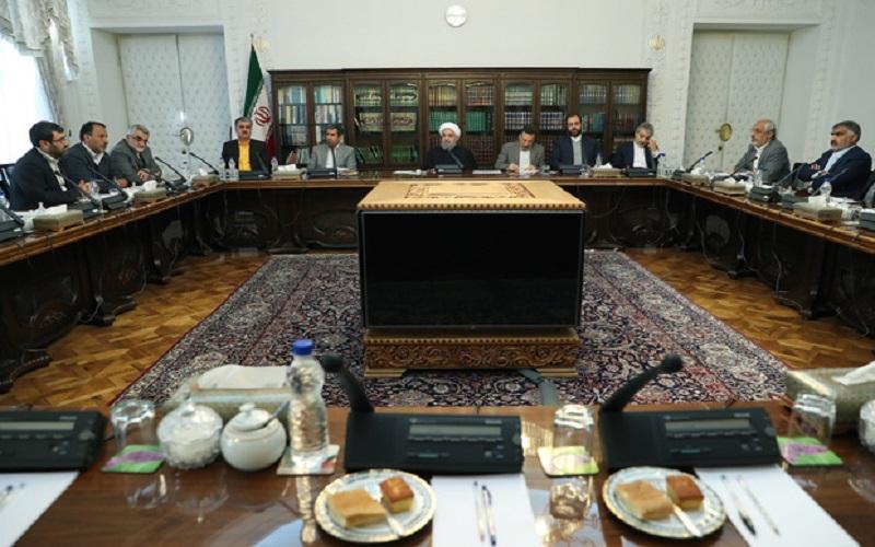 دولت برای حل مشکلات سپردهگذاران 11 هزار میلیارد تومان پرداخت