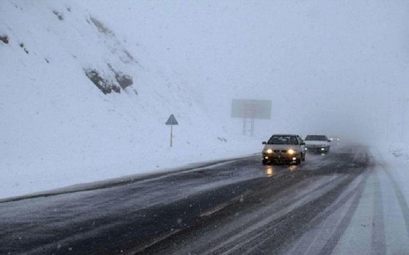مسدود شدن اتوبان ساوه – تهران به علت بارش برف سنگین