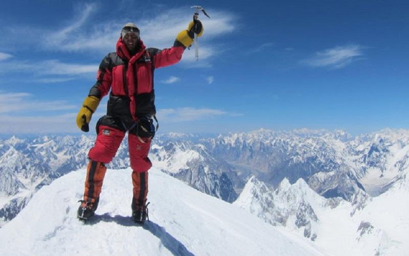 «عظیم قیچیساز» در جستجوی کوهنورد مفقودی