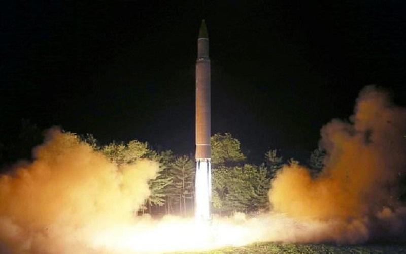 کرهشمالی برای اولین آزمایش موشکی ۲۰۱۸ آماده میشود