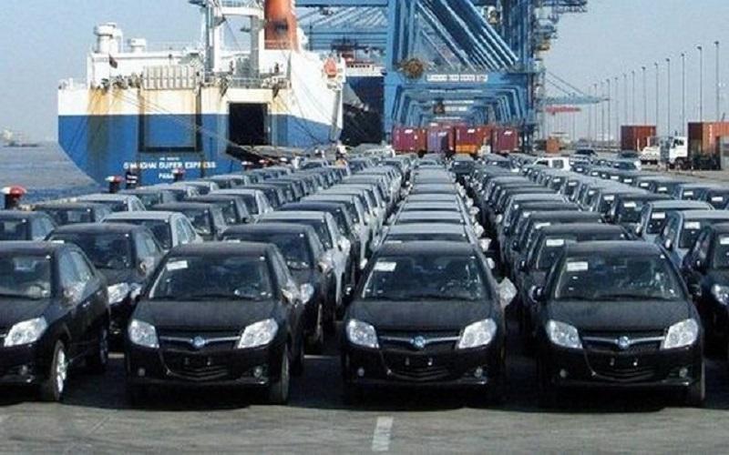 کاهش تعرفه واردات خودرو در دستور کار مجلس