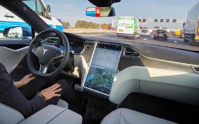 خودروی خودران تسلا زودتر از تصور عرضه میشود؟