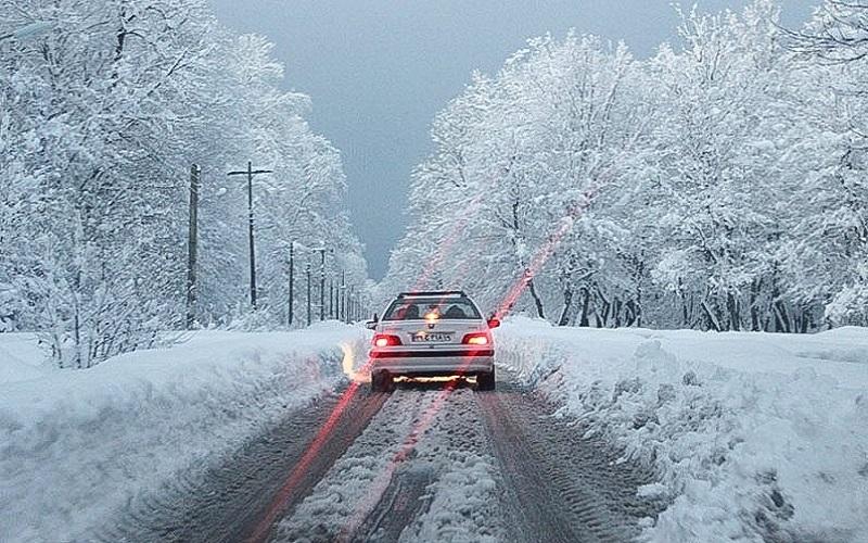 هشدار نسبت به یخزدگی در جادههای برفگیر کشور
