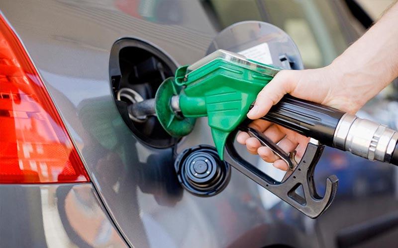 مسئولان به فکر مدیریت مصرف بنزین باشند