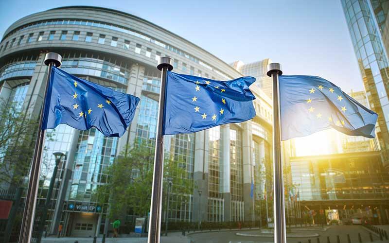 ترس از جنگ تجاری به اقتصاد اروپا صدمه میزند
