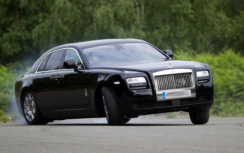 لیموزین رولزرویس، گرانترین خودروی روسیه