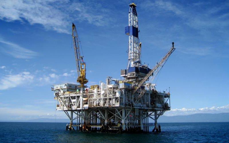 کاهش قیمت نفت سبک ایران به زیر ۶۰ دلار