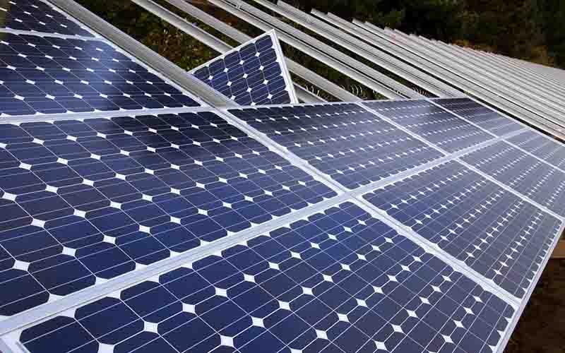 نصب پنلهای برق خورشیدی در آمریکا کاهش یافت