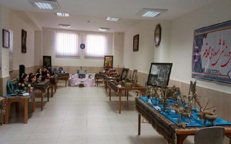 برگزاری نمایشگاهی از آثار صنایع دستی بانوان