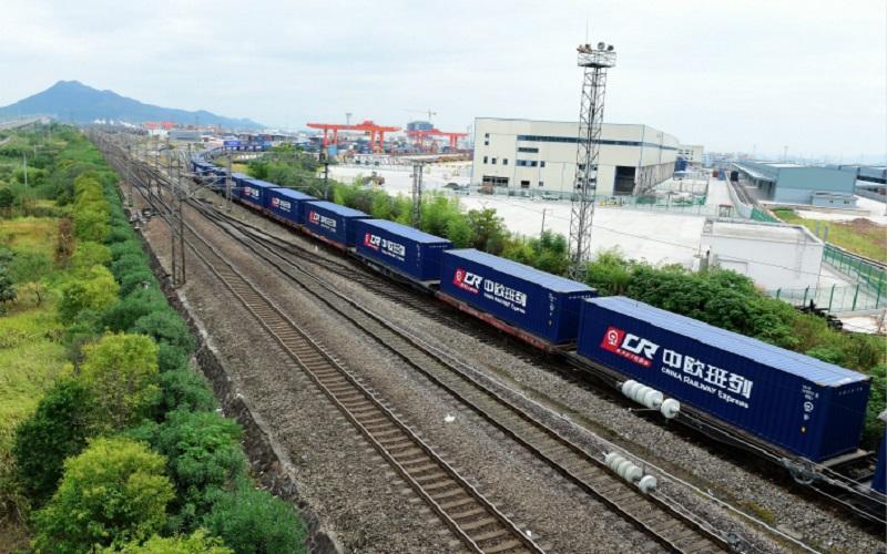 حرکت قطارهای باری از چین به اروپا افزایش یافت