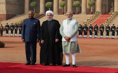ادای احترام روحانی به گاندی