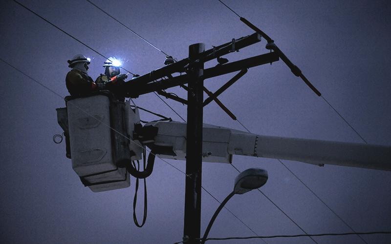 شبکه برق کشور در وضعیت بحرانی قرار گرفت