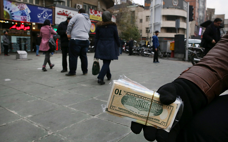 قیمت دلار تا کجا کاهش پیدا میکند؟