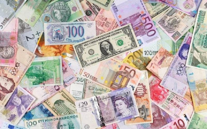 بانک مرکزی دلار 4634 تومانی وارد بازار کرد
