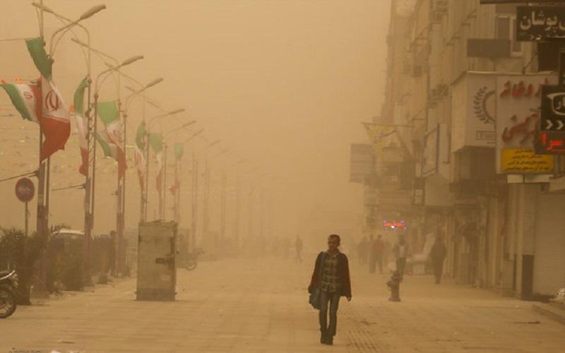 تعطیلی مدارس نوبت صبح ۳ شهرستان ایلام به دلیل گرد و غبار