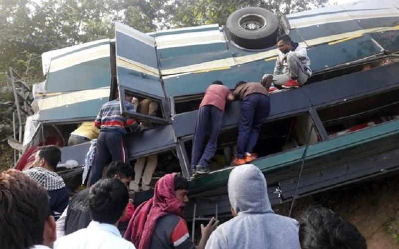 سانحه رانندگی در اندونزی ۲۷ کشته داد