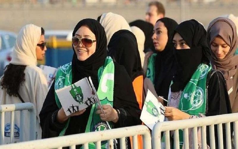 زنان عربستانی به عضویت ارتش در میآیند