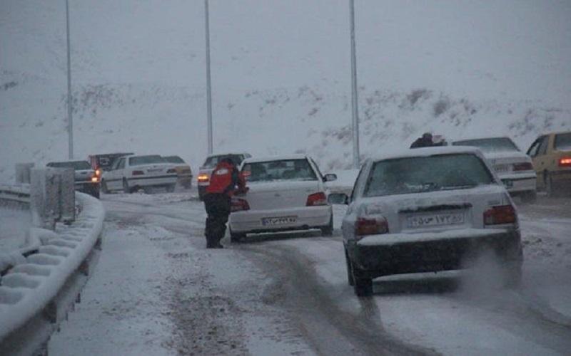برف و باران در اکثر محورهای غربی کشور
