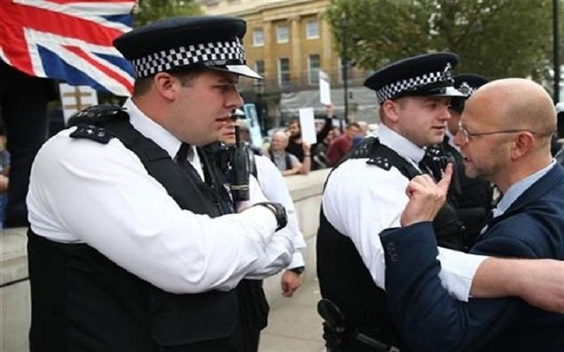تظاهرات هزاران نفری در انگلیس
