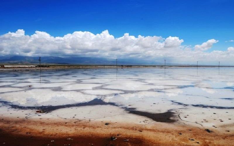 مقایسه وضعیت خشک شدن دو دریاچه «نمک» و «ارومیه»