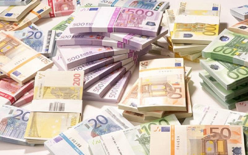 عرضه عمده «یورو» برای تنظیم بازار