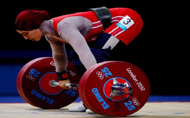 دختران وزنهبردار برای اولین بار روی تخته میروند