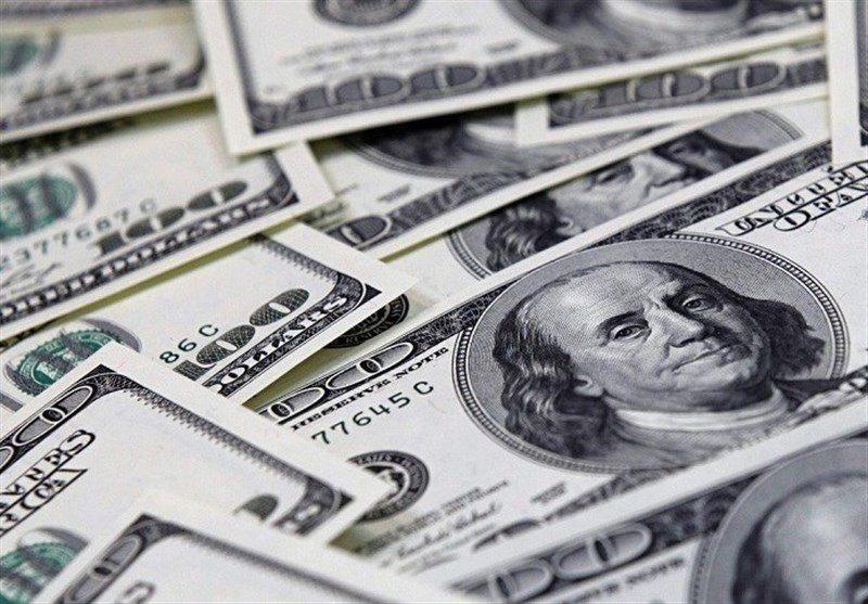 برخورد قانونی با خریداران و فروشندگان دلار با قیمت بیش از ۴۲۰۰ تومان