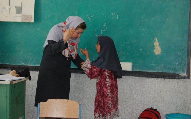 مشکلات ارزی، معلمان خارج از کشور را گرفتار کرد