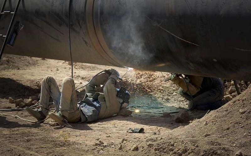 لوله انتقال گاز به مهران بر اثر حفاری شکست