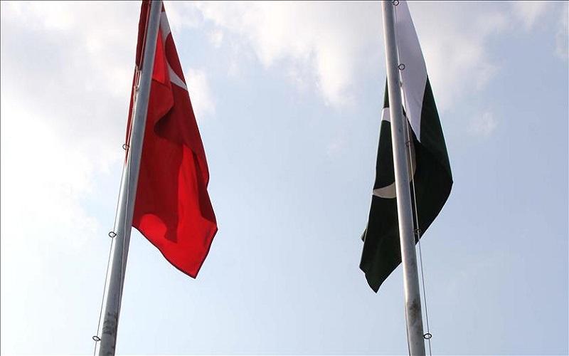 بازرگانان ترکیه در انعقاد قرارداد تجاری با پاکستان مشارکت میکنند