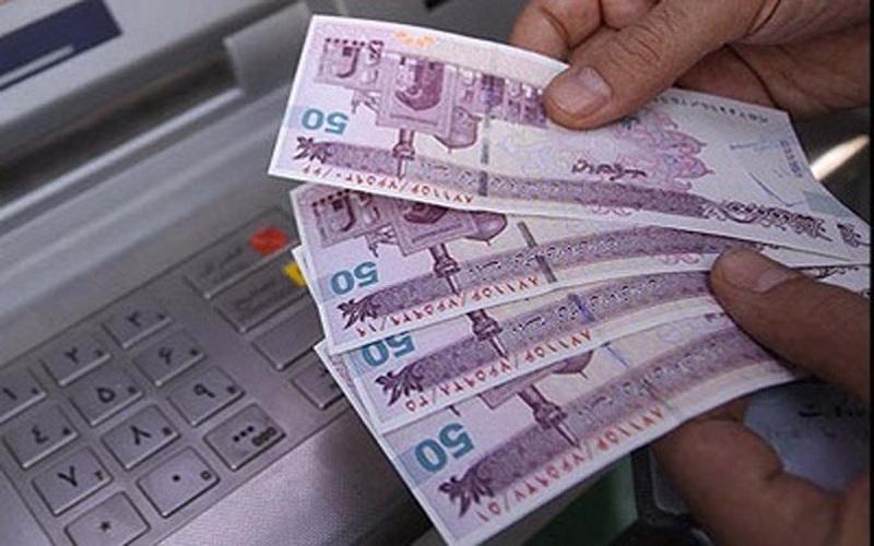 تغییر عجیب در رفتار پولی مردم / اسکناس در دست مردم کم شد