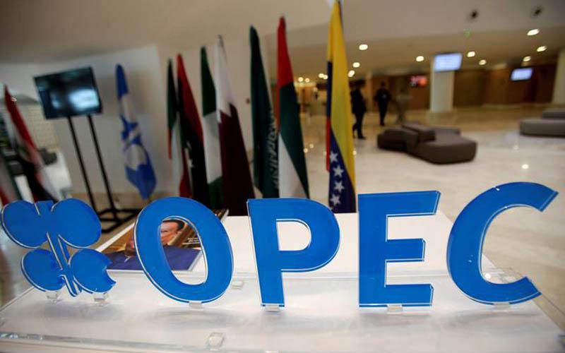 اوپک کاهش تولید نفت را مورد بررسی قرار میدهد
