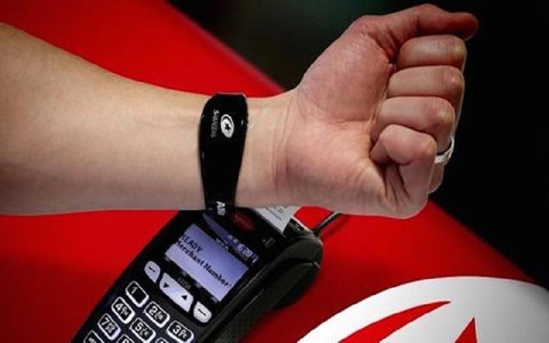 راهاندازی سامانه پرداخت بدون تماس مچبندی توسطبانک ریاض