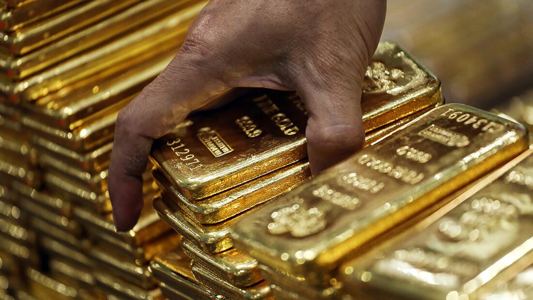 قیمت طلا پایینتر میرود