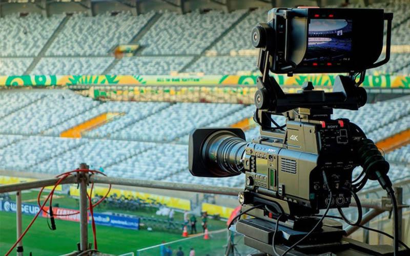 لیگهای فوتبال برای حق پخش تلویزیونی چقدر پول میگیرند؟