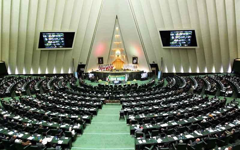 مجلس چه نقشهای برای چکهای بانکی دارد؟
