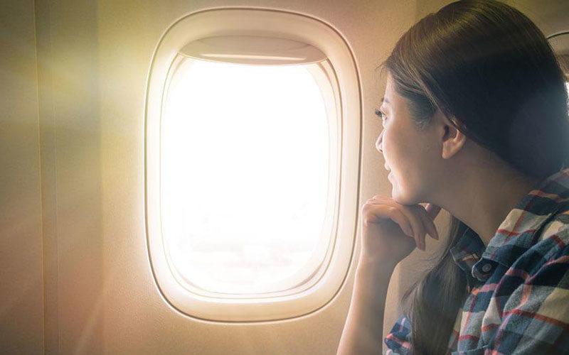 چرا استفاده از کرمهای ضدآفتاب هنگام پرواز ضروری است؟