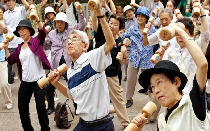 برنامههای دولت ژاپن برای مدیریت جمعیت سالخورده